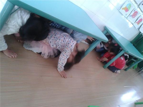2014年小太阳幼儿园地震应急疏散演练工作总结